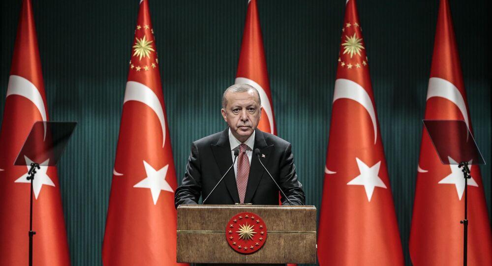 Erdoğan, Cumhurbaşkanlığı Külliyesi'nde gerçekleştirilen kabine toplantısının ardından açıklamalarda bulundu.