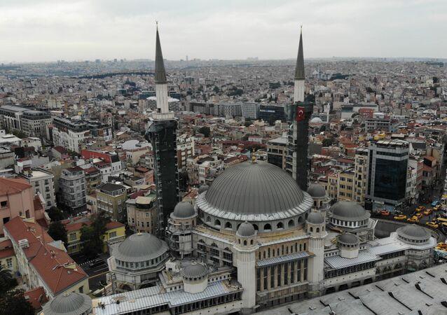 Bu sene açılacak olan Taksim Camisi'nin şerefesi havadan görüntülendi