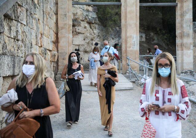 Yunanistan - koronavirüs - maske