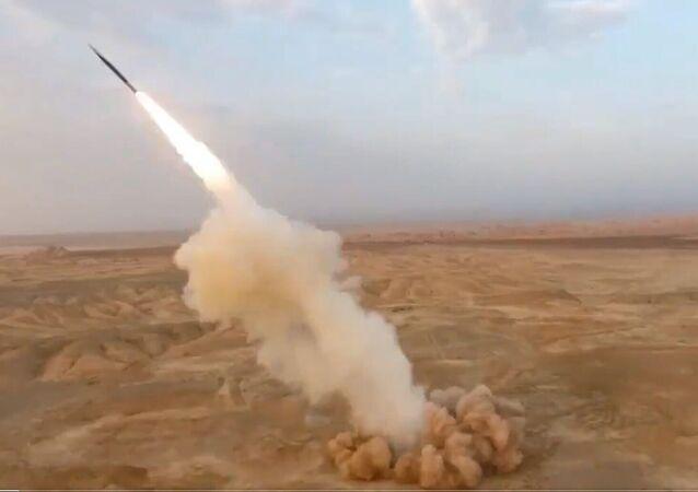 İran'ın balistik füzeleri ilk kez yerin altından fırlatıldı