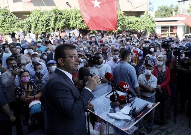 stanbul Büyükşehir Belediye (İBB) Başkanı Ekrem İmamoğlu, Kanal İstanbul projesinden kuzeyde en fazla etkilenecek bölgelerin başında gelen Yeniköy ve Karaburun'da incelemelerde bulundu.