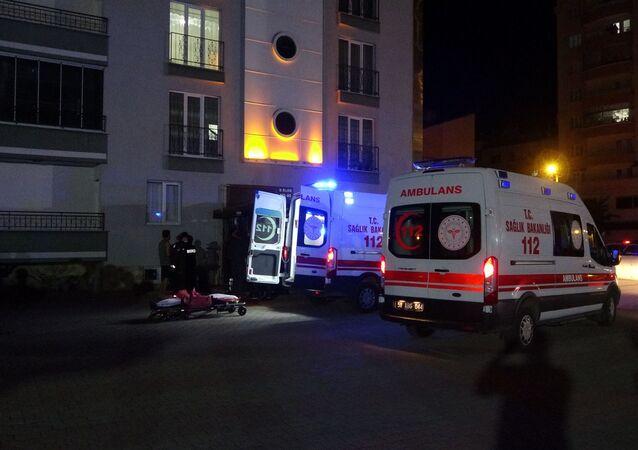 Sivas'ta eski eşinin ailesinin yaşadığı evi silahla basan şahıs 4 kişiyi öldürdü.