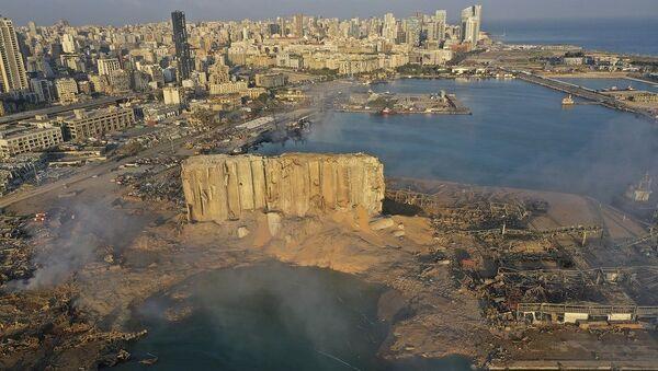 Beyrut'taki büyük patlama sonrası kentteki hasarın görünümü - Sputnik Türkiye