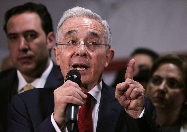 Eski Kolombiya Devlet Başkanı Alvaro Uribe