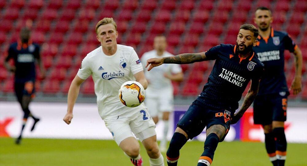 Medipol Başakşehir, UEFA Avrupa Ligi son 16 turu rövanş maçında Danimarka ekibi Kopenhag'a deplasmanda 3-0 yenildi ve Avrupa kupalarına veda etti.
