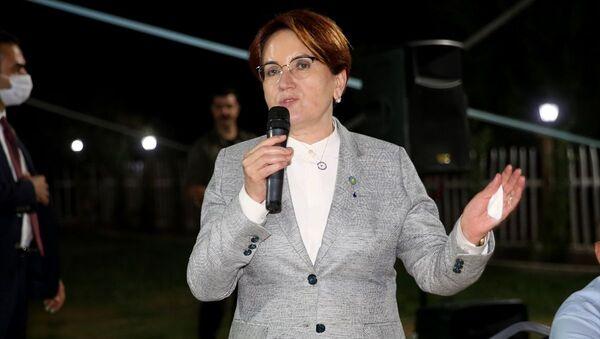 İYİ Parti Genel Başkanı Meral Akşener, çeşitli programlara katılmak üzere Nevşehir'e geldi. Akşener, Uçhisar beldesinde partisinin il teşkilatınca düzenlenen akşam yemeğinde konuşma yaptı. - Sputnik Türkiye