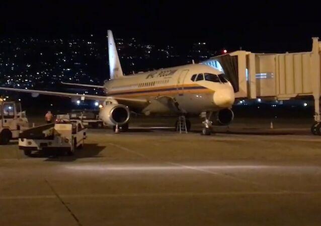Rusya'nın yardımını taşıyan ikinci uçak Beyrut'a indi