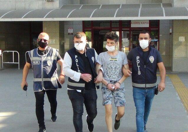 Antalya'nın Manavgat ilçesinde 8 yaşındaki kardeşini ormanlık alanda bıçaklayarak öldüren şahıs