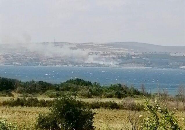 Çanakkale'nin Gelibolu ilçesinde orman yangını çıktı.