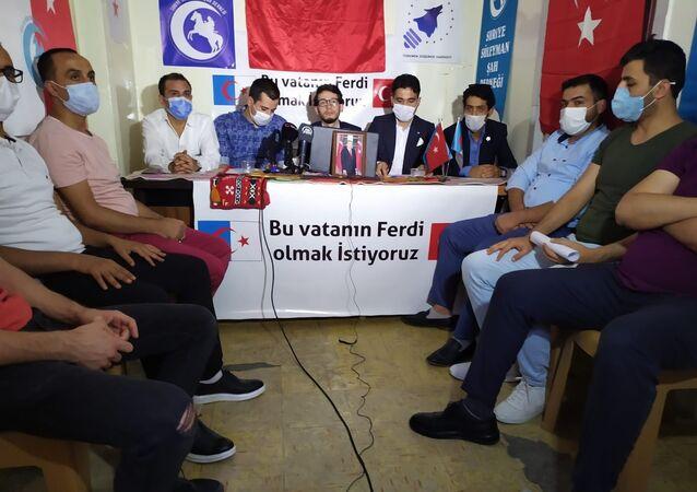 Dışişleri Bakanı Mevlüt Çavuşoğlu'nun, Lübnan'da Türkmenlere yönelik yaptığı vatandaşlık açıklamasının ardından Gaziantep'te bulunan Suriyeli Türkmen dernekleri bir basın açıklaması yaparak, vatandaşlık talebinde bulundu.