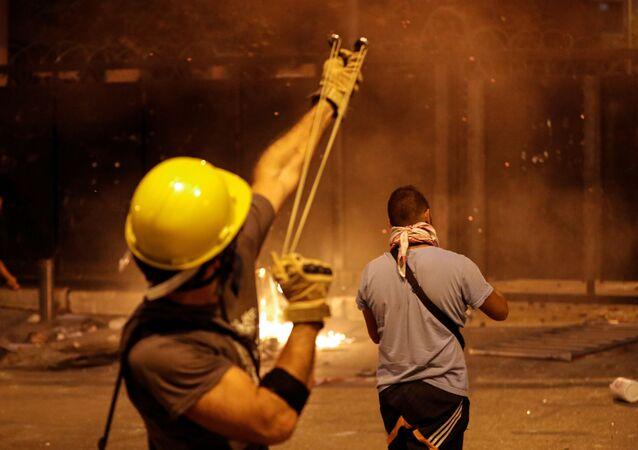 Beyrut'ta çatışmalar yeniden alevlendi