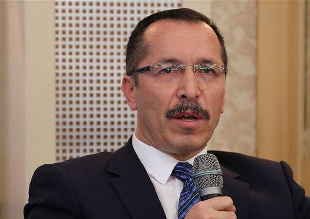 YÖK, Pamukkale Üniversitesi Rektörü Hüseyin Bağ'ın görevinden uzaklaştırıldığını bildirdi.