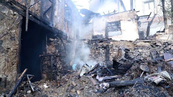 Çorum'da bir evde çıkan yangında 4'ü çocuk 5 kişi hayatını kaybetti - Sputnik Türkiye
