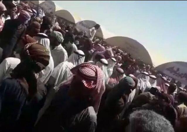 El Akidat aşiretinden koalisyon güçleri ve DSG'ye Suriye'nin doğusunu terk etmeleri için bir aylık süre