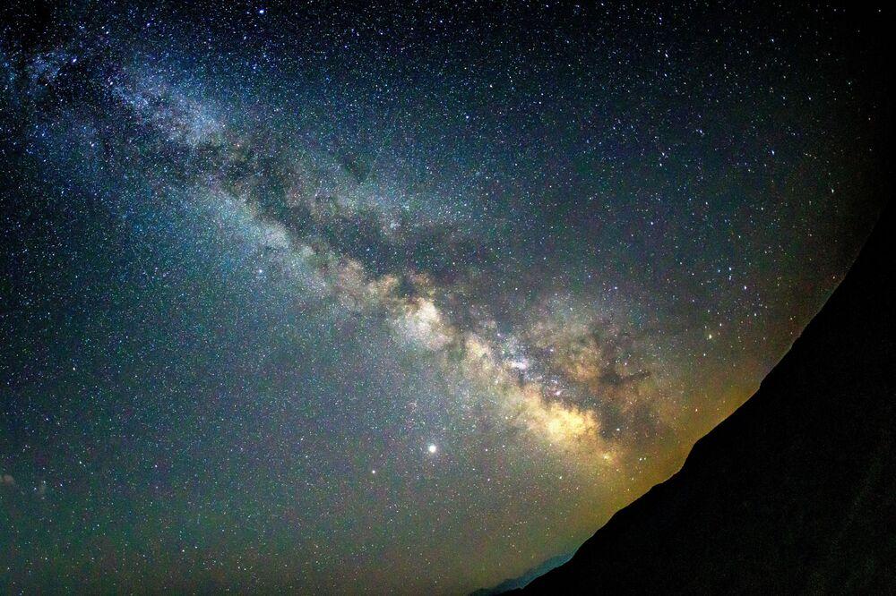 Perseid meteor yağmuru her yıl yaklaşık olarak 23 Temmuz-20 Ağustos tarihleri arasında gerçekleşir. Maksimum meteor yağmuru ise 12 ve 13 Ağustos geceleri olur.