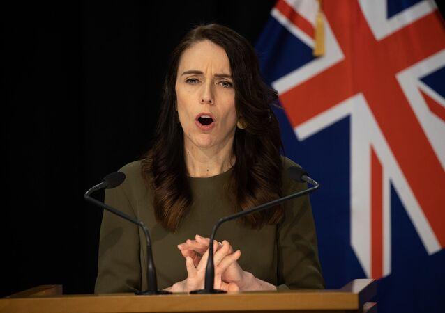 Yeni Zelanda Başbakanı Jacinda Ardern, 19 Eylül'de yapılması planlanan genel seçimlerin yeni tip koronavirüs (Kovid-19) salgını nedeniyle 17 Ekim'e ertelendiğini açıkladı.