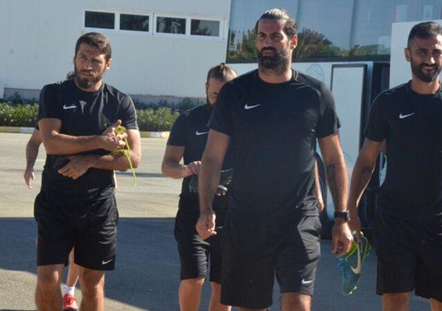Fenerbahçe Yardımcı Antrenörü Volkan Demirel