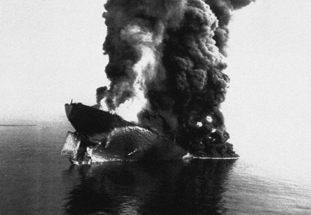 13 Nisan 1991'de 144.000 ton ham petrol yüklü Haven tankeri, İtalya'nın Cenova açıklarında demirlemişken ateş aldı ve seri patlamalar geçirdi. Gemi üç ana parçaya bölündü ve daha sonra battığı sığ sulara çekildi. Petrolün çoğu yangın sırasında tüketildi, fakat 10.000 tonun üzerinde petrol ve yanmış petrol artığı  denize sızdı.