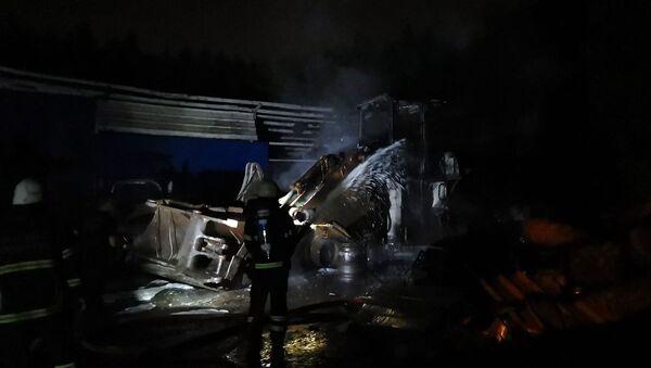 Kocaeli'de 3 iş makinası yandı - Sputnik Türkiye