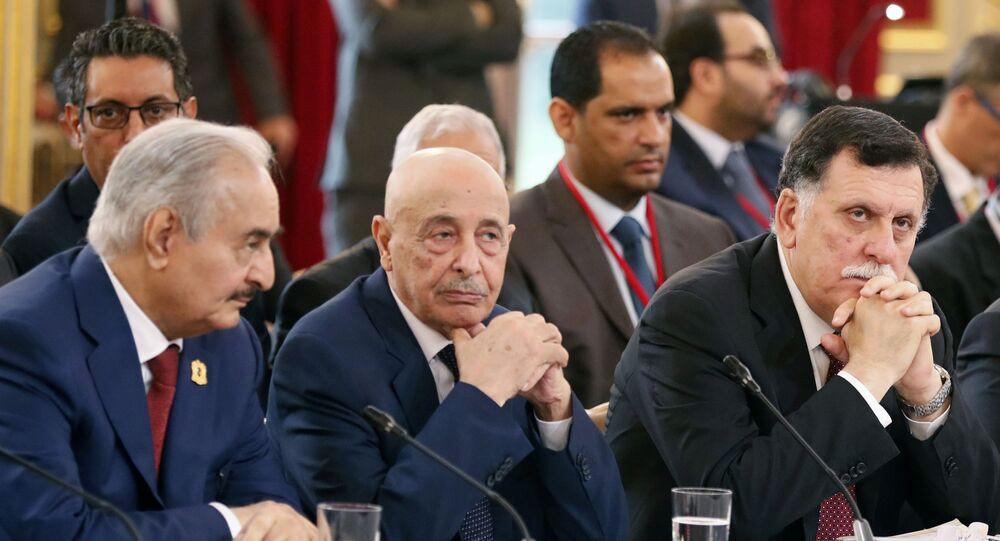 Halife Hafter- Temsilciler Meclisi Başkanı Akile Salih- Ulusal Mutabakat Hükümeti Başbakanı Fayiz es-Serrac