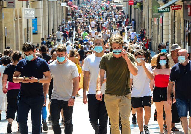 Bordeaux - Fransa - maske - koronavirüs