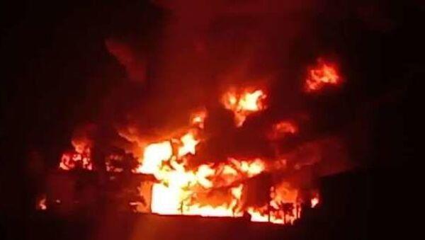 Hindistan'nın Telangana eyaletinde kimya fabrikasında yangın çıktı. - Sputnik Türkiye