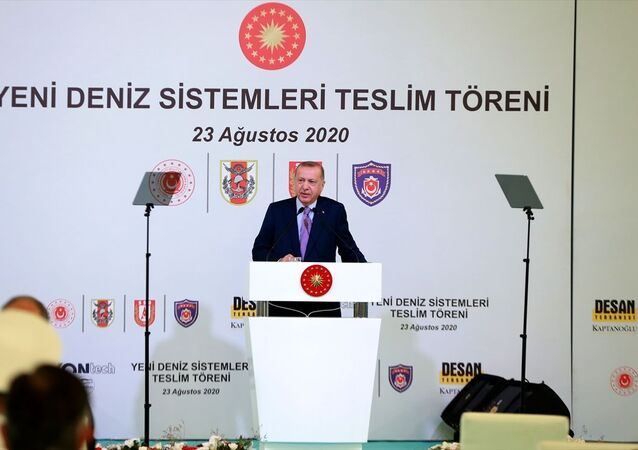 Türkiye Cumhurbaşkanı Recep Tayyip Erdoğan, Tuzla'daki Desan Tersanesi'nde düzenlenen, Yeni Deniz Sistemleri Teslim Töreni'ne katılarak konuşma yaptı.