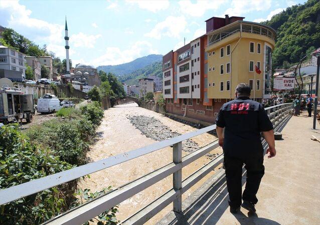Giresun'daki sel felaketinin ardından İHH, ilk etapta 40 kişilik arama kurtarma ekibini bölgeye sevk etti. Birimler, ilk etapta 40 kişilik ekibiyle bölgede hem tahliye hem de arama kurtarma çalışmalarına katıldı.