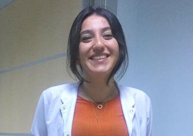 Artvin'in Hopa ilçesinde Devlet Hastanesinde görevli Dr. Seda Kenanoğlu