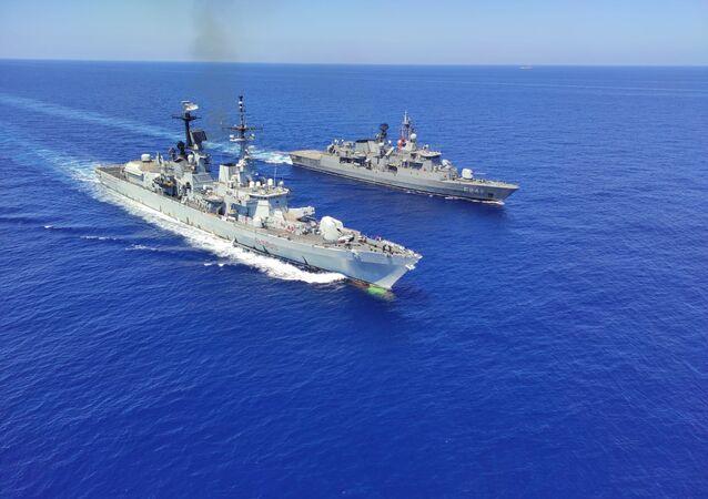 Doğu Akdeniz'de Türk ve İtalyan gemileri geçiş eğitimi gerçekleştirdi