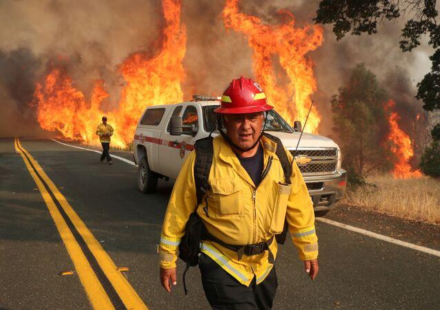 Kaliforniya'da kontrol altına alınamayan yangınlar