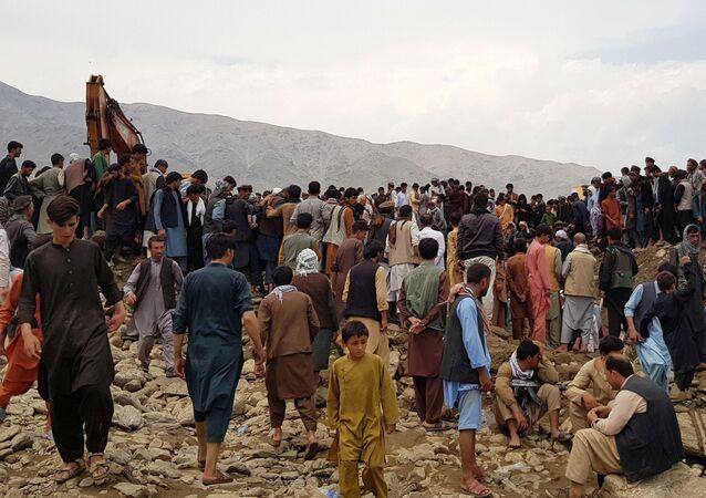 - Afganistan'ın Pervan vilayetinde meydana gelen sel nedeniyle 70 kişi hayatını kaybetti, 100 kişi yaralandı.