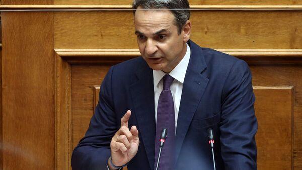 Mısır ve İtalya ile ayrı ayrı imzalanan deniz yetki alanlarını sınırlandırma anlaşmalarının görüşüldüğü parlamentoya seslenen Yunanistan BaşbakanıKiriakos Miçotakis - Sputnik Türkiye