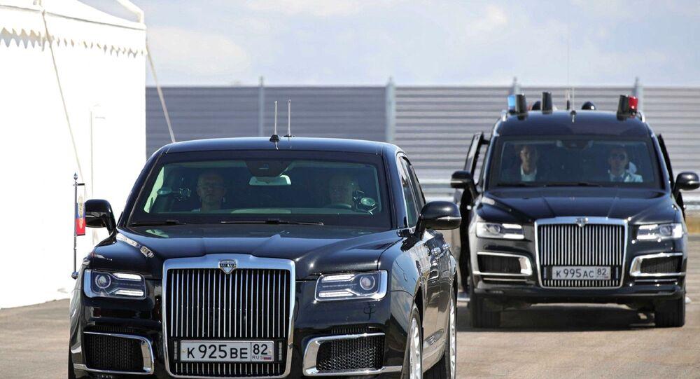 Rusya Devlet Başkanı VladimirPutin,Kırım'da inşa edilenTavridaotoyolununbirkısmının açılışını yaptı. Rus lider,Aurusmarkalimuzinin direksiyonuna geçerek yolu deneyimledi.