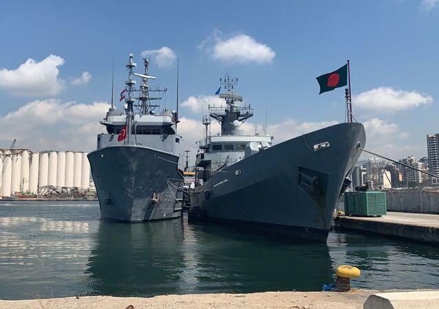 Bangladeş Donanmasına ait BNS BIJOY gemisi
