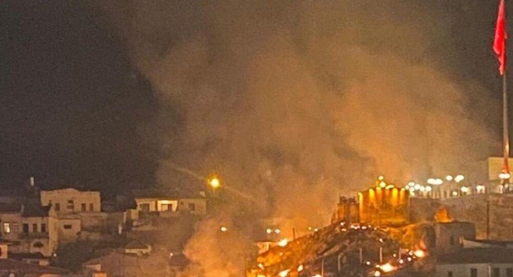 Nevşehir'de havai fişek yangın çıkardı