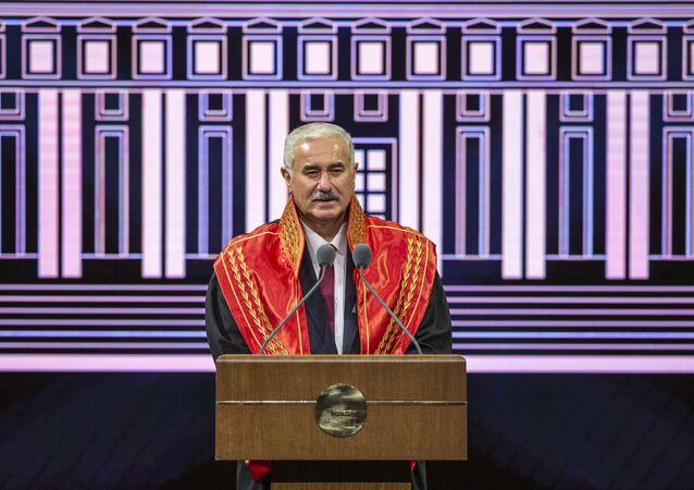 Yargıtay Başkanı Mehmet Akarca, Beştepe Millet Kongre ve Kültür Merkezi'nde düzenlenen 2020-2021 Adli Yılı Açılış Töreni'ne katıldı. Yargıtay Başkanı Akarca, burada bir konuşma yaptı