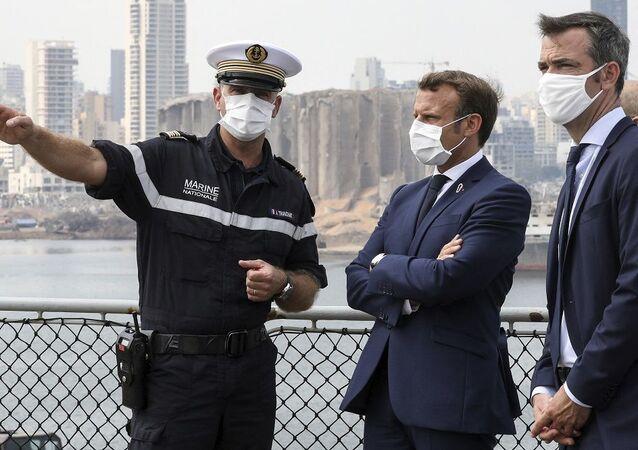 Fransa Cumhurbaşkanı Macron Lübnan'da 190 kişinin hayatını kaybettiği patlamanın yaşandığı Beyrut Limanı'nda