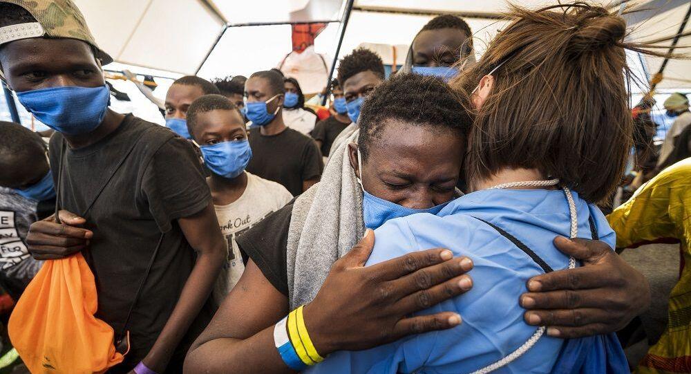 Sea Watch'taki 353 göçmen