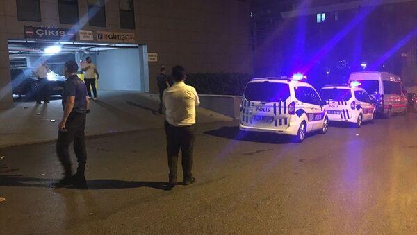 Kadıköy'de bir polis ile güvenlik görevlisi bıçakla yaralandı - Sputnik Türkiye