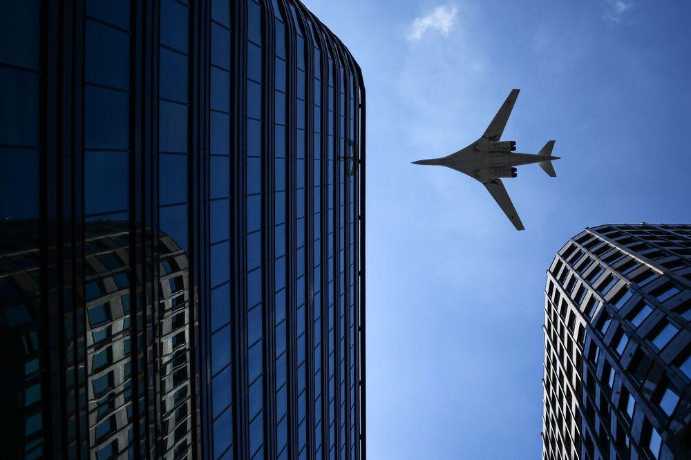 2015'te Tu-160 stratejik bombardıman uçağının Tu-160M2 modernize edilmiş modeli olarak üretilmesi karar alınmıştı