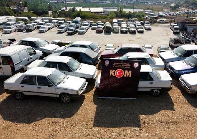 Antalya'da İstanbul ve Kocaeli'nden 32 araç çalan 2 şüpheli tutuklandı