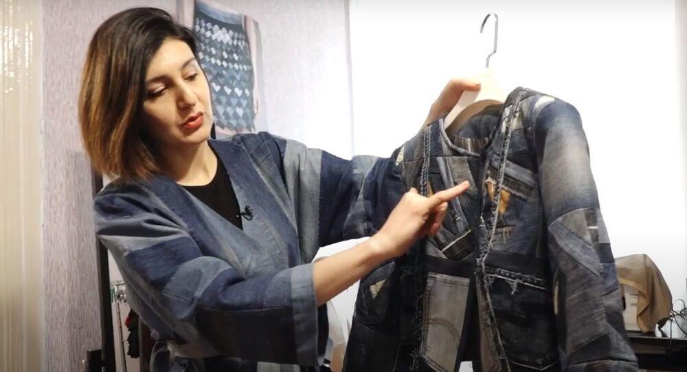 Azerbaycanlı tasarımcı eski kot kumaşından yeni kıyafetler yaratıyor