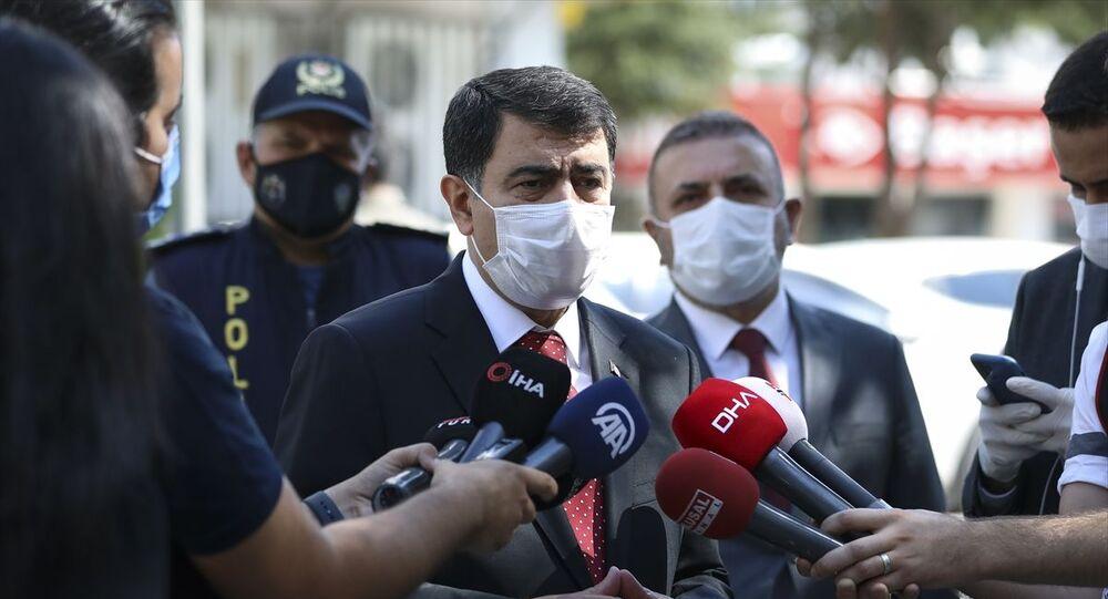İçişleri Bakanlığınca 81 il valiliğine gönderilen Kovid-19 Tedbirleri Kapsamında 4 Eylül 2020 Denetimi konulu genelge kapsamında, Ankara'da tüm yaşam alanlarında koronavirüs tedbirlerine ilişkin denetim yapıldı. Ankara Valisi Vasip Şahin, Sincan'daki denetimlere katıldı. Şahin, basın mensuplarına açıklama yaptı.