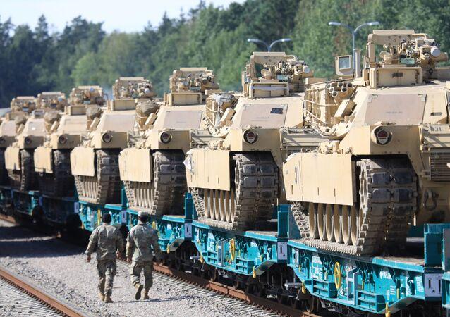 Litvanya'ya giden ABD güçleri, gerilimin arttığı Belarus sınırında tatbikat yapacak.