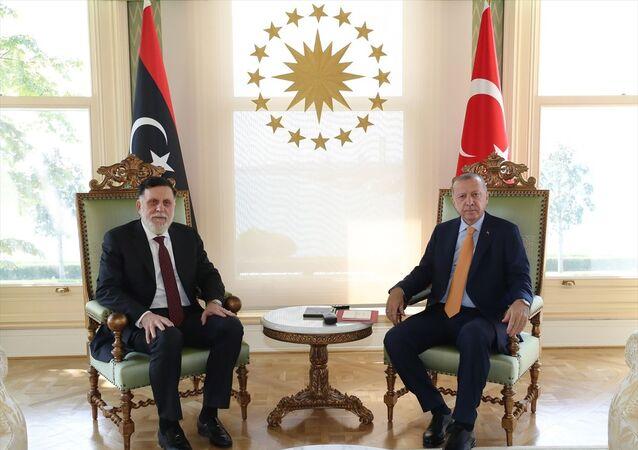 Türkiye Cumhurbaşkanı Recep Tayyip Erdoğan, Vahdettin Köşkü'nde Libya Başbakanı Fayiz es-Serrac'ı kabul etti.