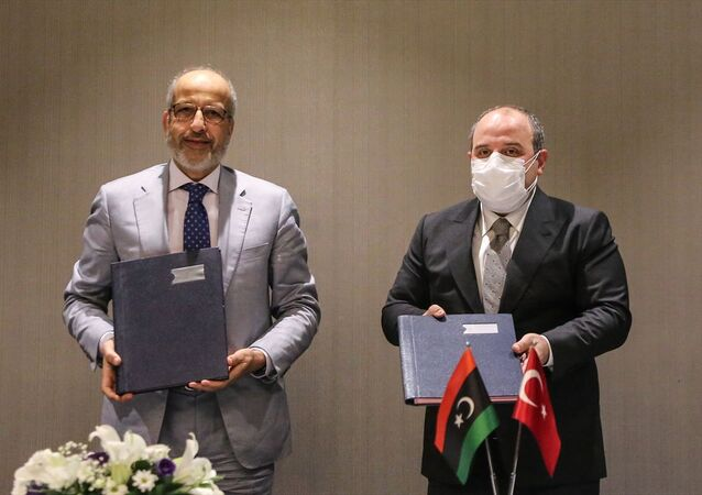 Sanayi ve Teknoloji Bakanı Mustafa Varank, Libya Merkez Bankası Başkanı Saddek Elkaber ve beraberindeki heyetle İstanbul'da bir görüşme gerçekleştirdi. Görüşme öncesi Bakan Varank gazetecilere açıklama yaptı.