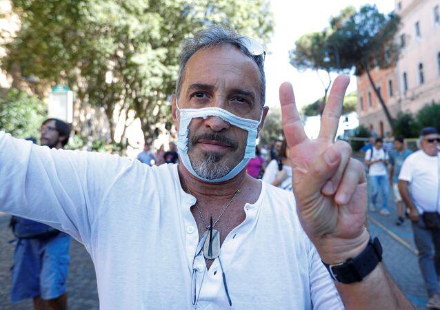 İtalya'daki maske karşıtları
