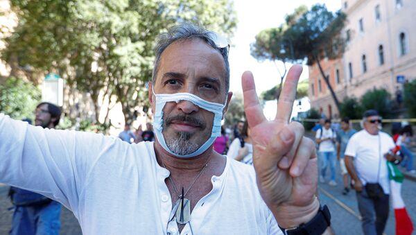 İtalya'daki maske karşıtları - Sputnik Türkiye
