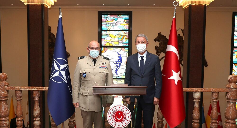 Millî Savunma Bakanı Hulusi Akar, NATO Askeri Komite Başkanı Orgeneral Stuart Peach'i kabul etti.